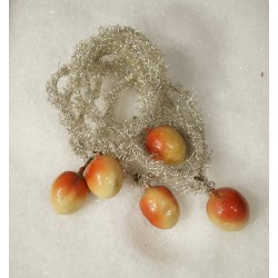 Old tinsel chains with fruits, l: 140 cm.