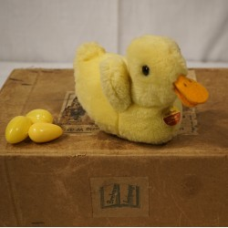 Old Steiff duckling, h: 11 cm.