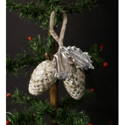 Antique glass ornament, cone with leaf, wire and snow, h: 15 cm.
