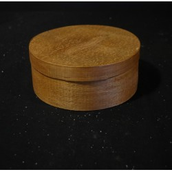Old round box of wood, size: 7,5 x 18 cm.