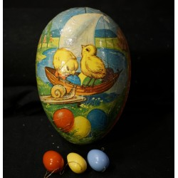 Old easter cardboard egg, chicken sailing, h: 17 cm.